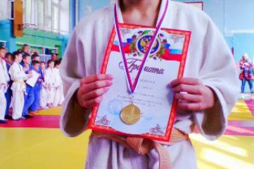 В Феодосии состоялся открытый турнир по борьбе дзюдо, посвященный Амет-Хану Султану