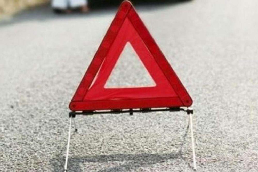 В результате столкновения ВАЗа и рейсового автобуса в Джанкое пострадало два человека