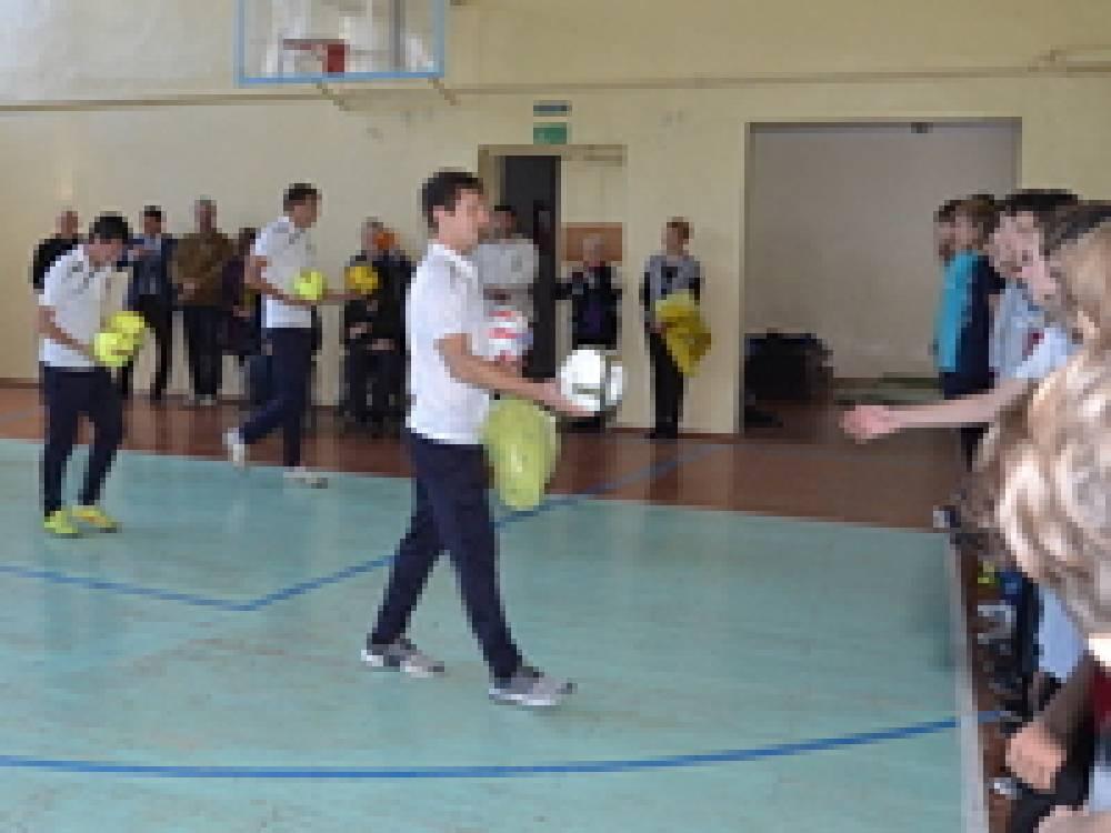 В Феодосии провели совместную тренировку футболистов клуба «Кафа» и школы-интерната для слабослышащих