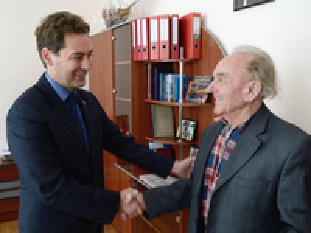 Глава Администрации Дмитрий Щепетков поздравил феодосийцев, освобождавших Советское Заполярье