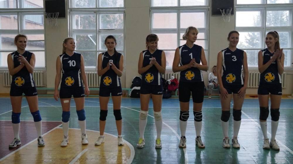В Феодосии прошел волейбольный турнир 3-х команд