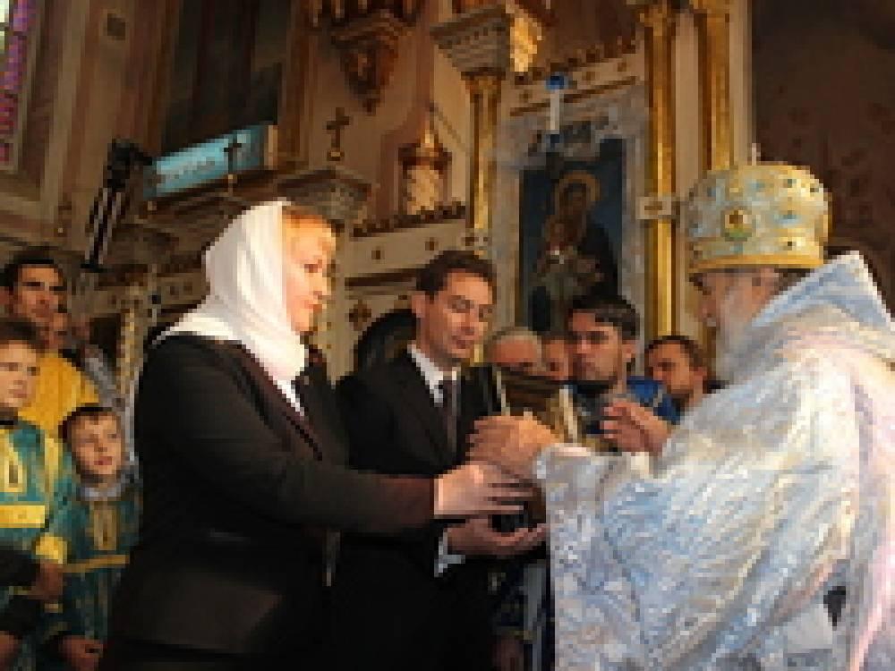 Руководство Феодосии передало в дар Казанскому собору икону