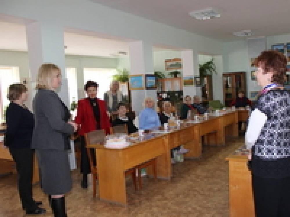 Светлана Гевчук и Любовь Росинская поздравили ветеранов
