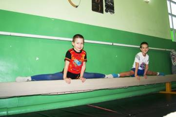 В Феодосии провели соревнования по спортивной гимнастике