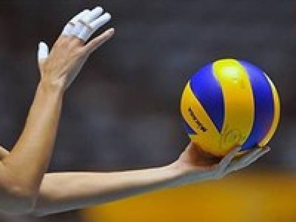 В Феодосии проходит чемпионат города по волейболу среди мужских команд