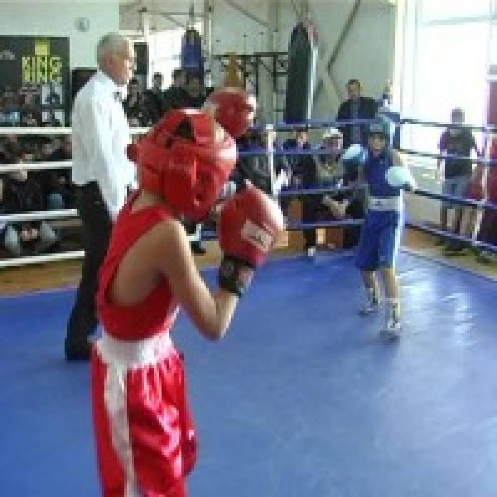 В Феодосии проходит республиканский турнир по боксу
