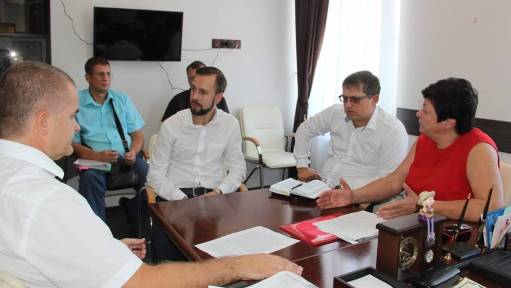 Министр образования Крыма провела совещание в Феодосии