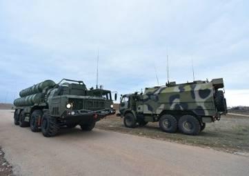 В Крыму на боевое дежурство заступил третий дивизион ЗРК С-400