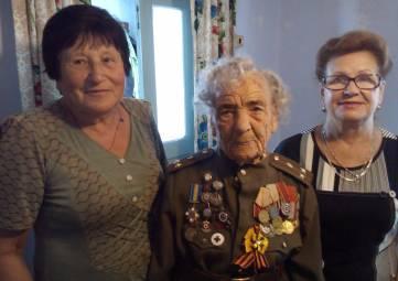 В Керчи 95-летний юбилей отметила Антонина Разуваева