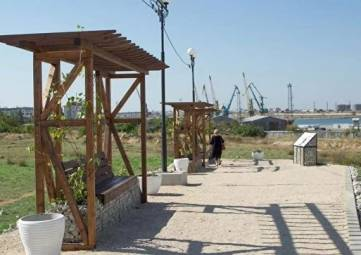 В Севастополе на месте усадьбы Херсонеса создали античный сквер