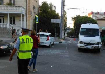 В центре Севастополя столкнулись три автомобиля