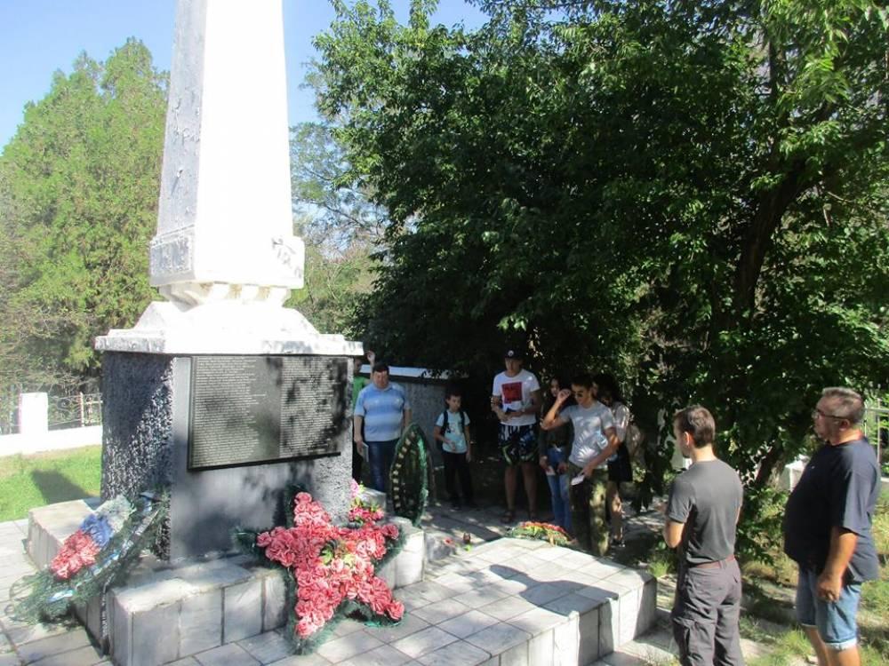Продолжаются экскурсии по Феодосийскому некрополю