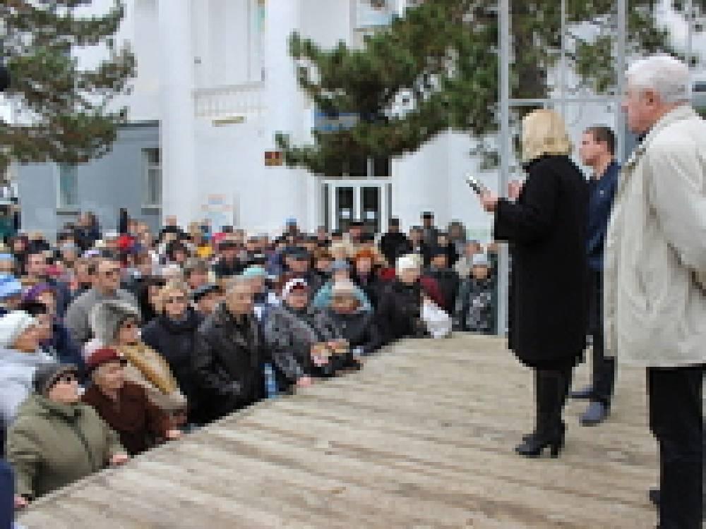 Состоялась встреча главы округа с жителями Приморского
