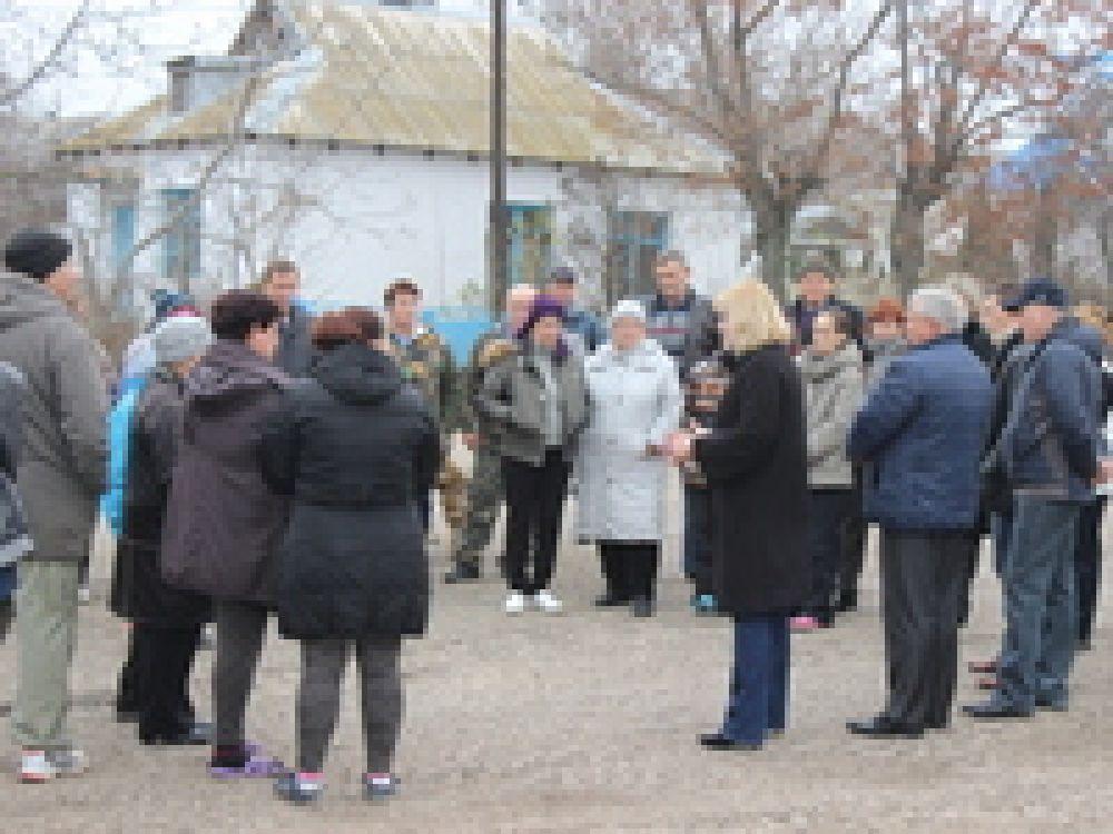 В селах и поселках проходят встречи с жителями округа