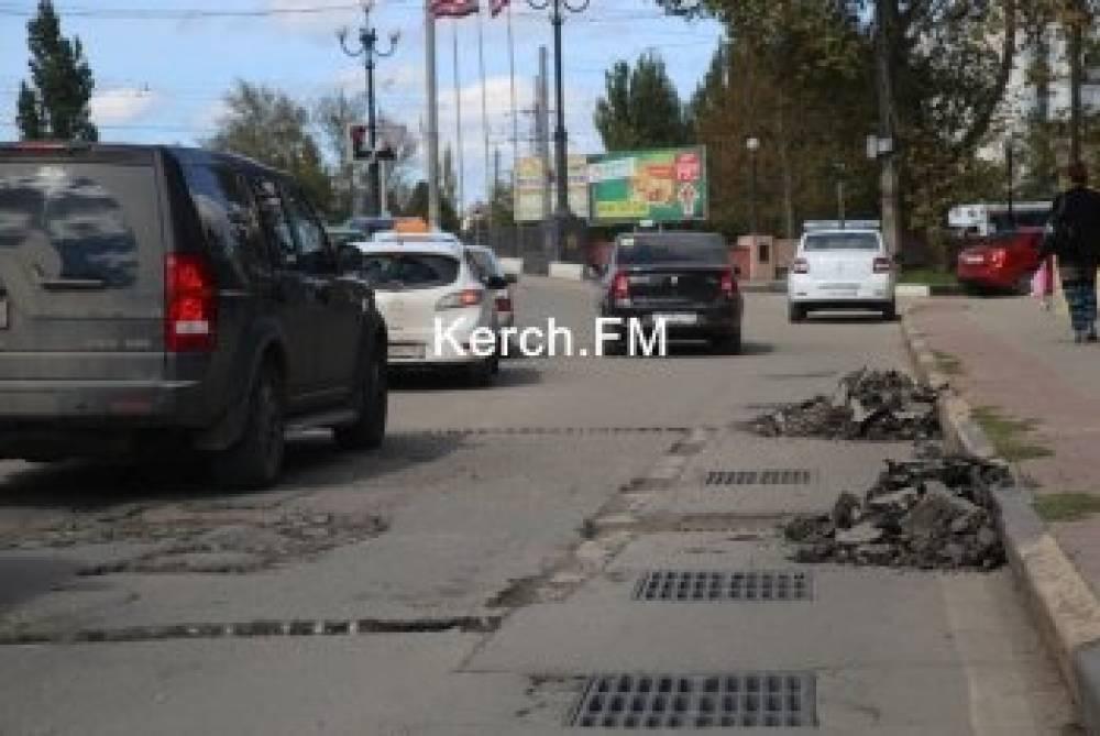 Крым попросил у федерального правительства 140 миллиардов рублей на ремонт дорог