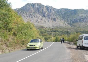 Пять лет ожиданий: под Алуштой открыли проблемный участок дороги