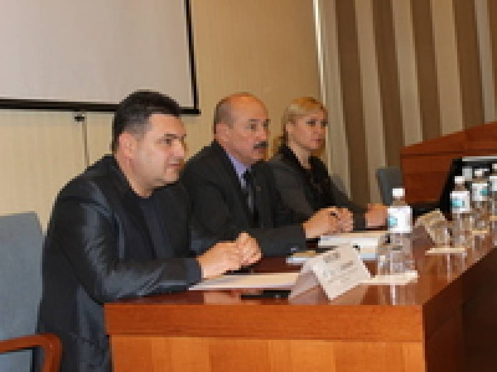 В Феодосии министр курортов и туризма провел совещание