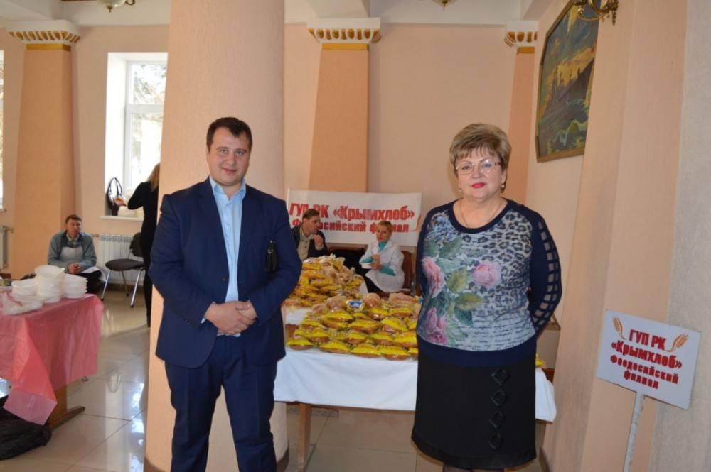 В Феодосии к Международному Дню инвалидов в Доме офицеров флота была организована полевая кухня