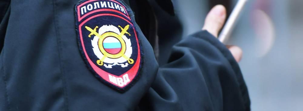 В Симферополе парня пытались ограбить на остановке
