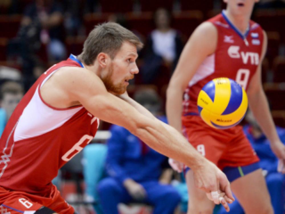 В Феодосии прошел 6-й тур открытого первенства Феодосии по волейболу среди мужских команд.
