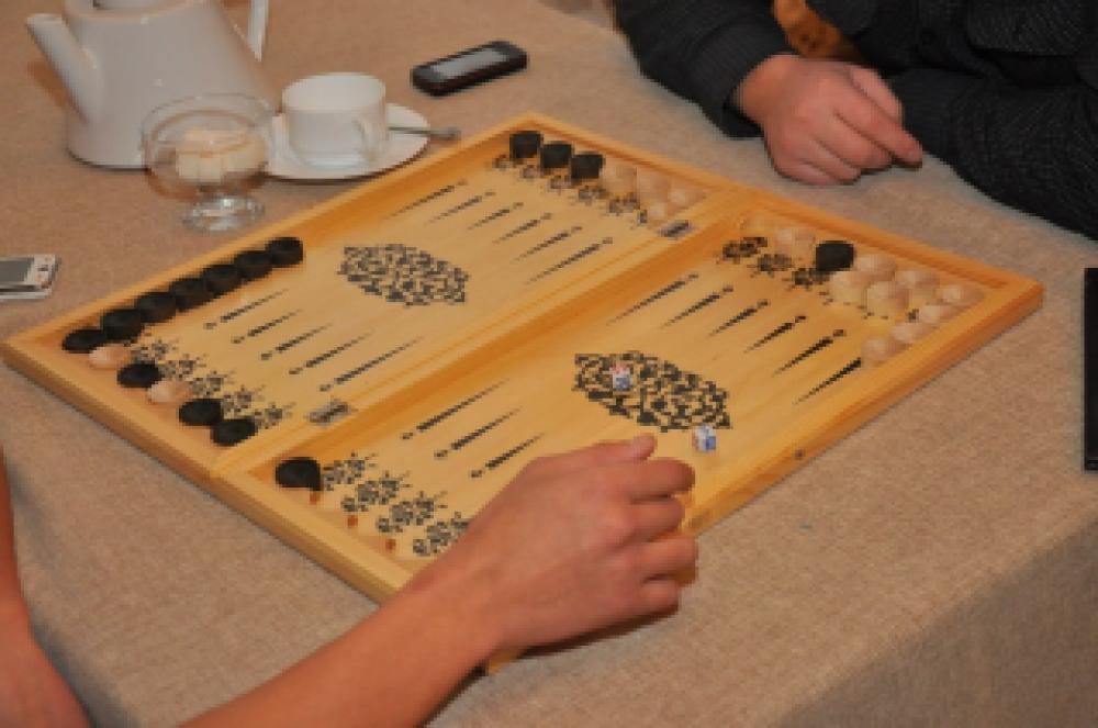 В Феодосии играть в нарды могут не все