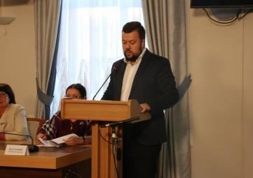 Сергей Резниченко представил отчет о развитии молодежной политики Севастополя