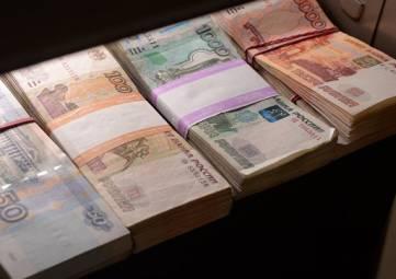 В Севастополе судоремонтный завод задолжал работникам 2,5 млн рублей