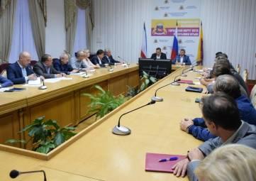 Рабочее совещание в связи с трагедией в городе Керчи, прошло в администрации Ялты