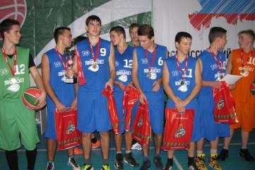 Феодосийцы - победители зонального этапа Чемпионата Крыма по баскетболу (ФОТО)