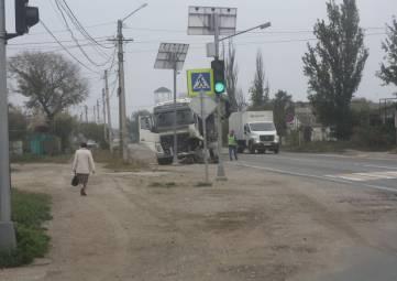 На трассе ДТП: фура и легковушка