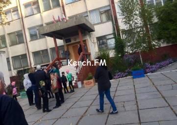 С понедельника в учебных учреждениях Керчи не будут дежурить силовики