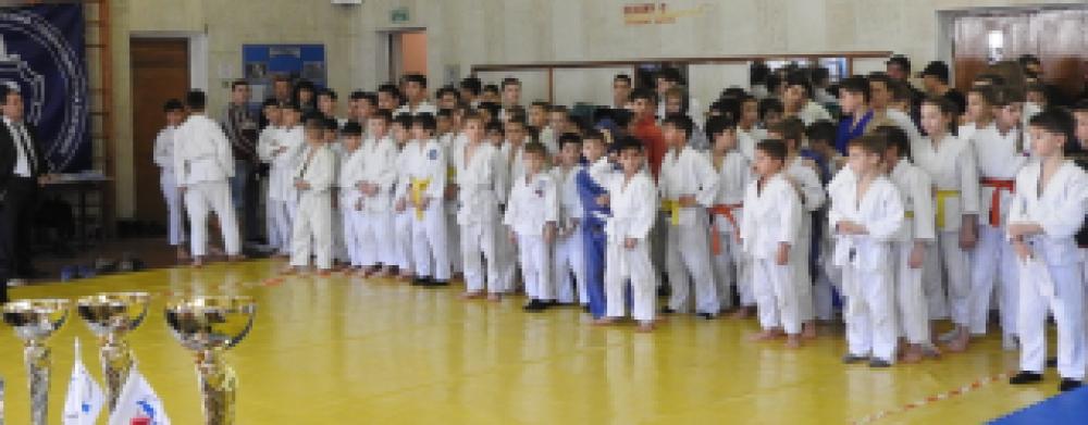 Феодосийские дзюдоисты приняли участие в праздничном « Рождественском турнире»
