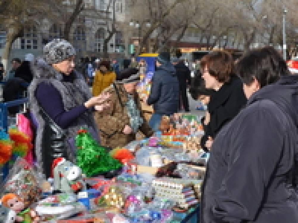 На привокзальной площади Феодосии состоялась общегородская праздничная сельскохозяйственная ярмарка