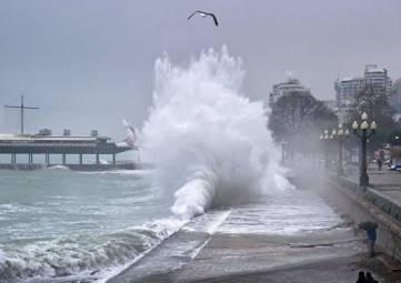 Стихия идет: Крым накроют дожди и шторм