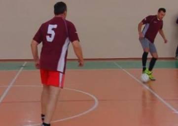 В Армянске традиционно стартовало зимнее первенство по минифутболу