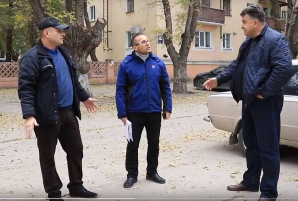 Жители против автопарковки на Горького