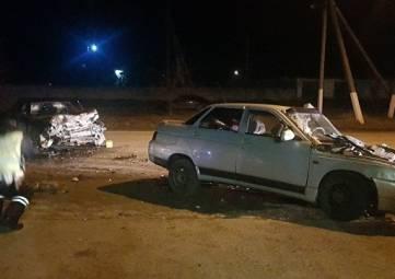 В Крыму ВАЗ врезался в иномарку: пострадали трое взрослых и двое детей