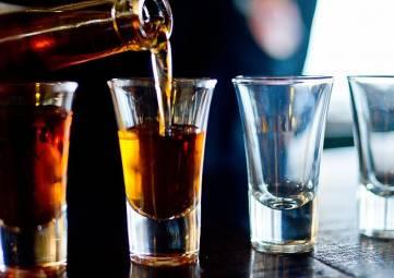 Онищенко за повышение планки продажи алкоголя
