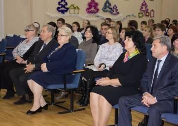 В крымской столице наградили одаренных школьников