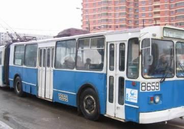 Опубликовано видео аварии с участием троллейбуса в центре Симферополя