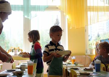 В 10% детсадов Крыма кормят фальсификатом
