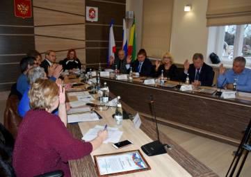 Олеся Харитоненко провела внеочередную 84-ю сессию горсовета
