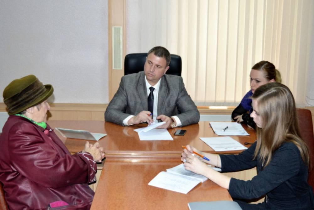 На приём к Дмитрию Ачкасову пришли 20 феодосийцев