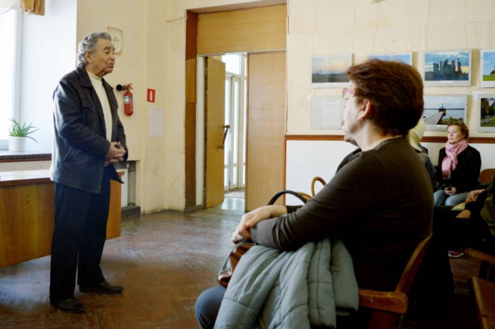 В Феодосии отметили 98-летие Народного врача СССР Александра Романовича Довженко