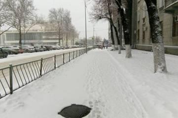 """Снег, каток и """"каша"""" в придачу: водители возмущены уборкой дорог в Крыму"""