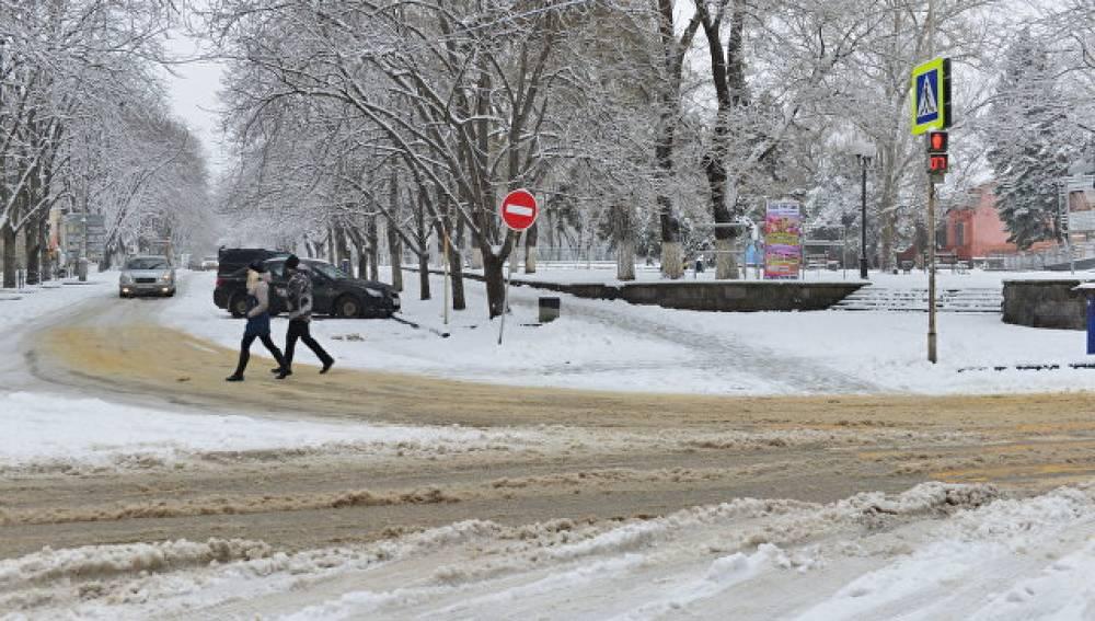 Двойка за уборку в снегопад