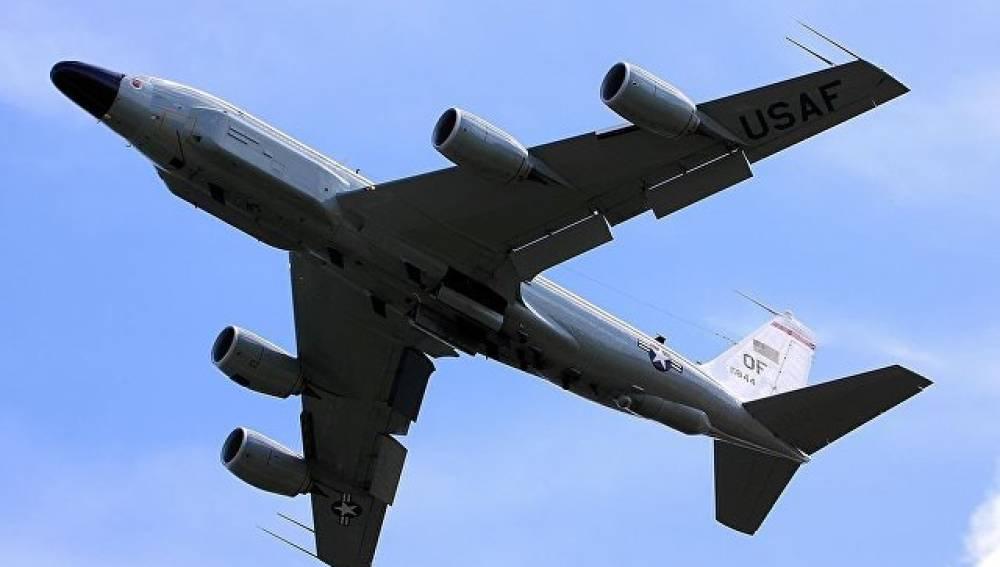 Американский самолет провел разведку у берегов Крыма