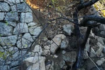 Городские власти продолжают работу по восстановлению подпорной стены в Кореизе