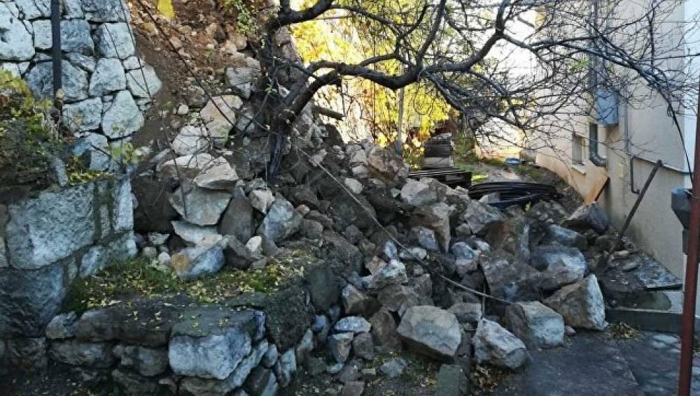 Обрушившуюся в Кореизе подпорную стену восстановят к лету