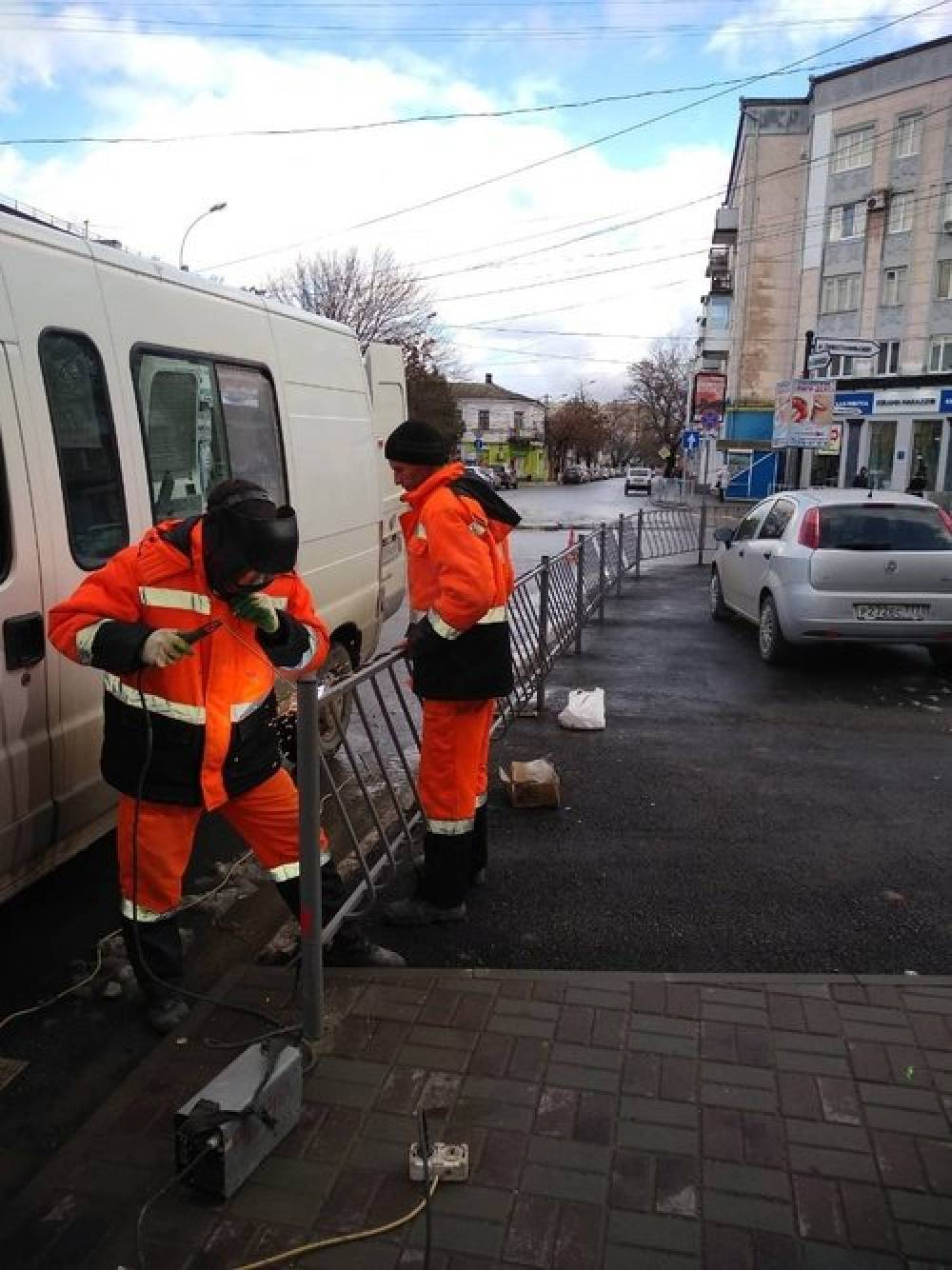 На улице Севастопольской и Мате Залки Симферополя вместо ограждений установят новые ливневки, - ФОТО